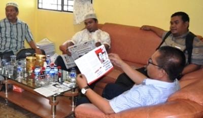 Tim Jokowi Kampanye Hitam, Tim Prabowo Mengadu ke Panwas