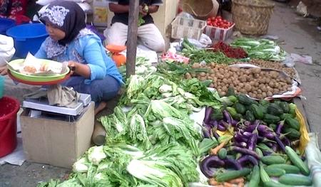 pedagang di pasar gunung tua