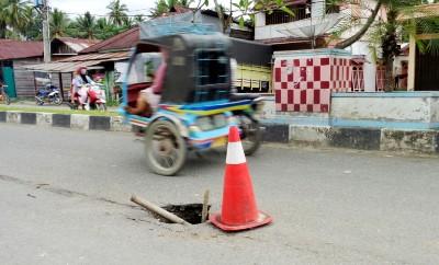 Lobang di jalan kota Panyabungan