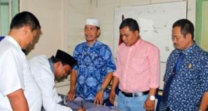 Safaruddin Haji Teken Pendaftaran