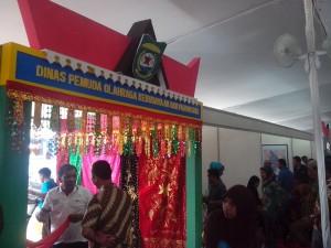 stand pameran (2)