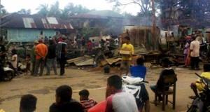 kebakaran 6 rumah di pasar III natal