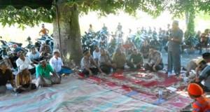 Anggota DPRD Madina Suandi Hasibuan saat reses di Desa Huraba