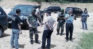 Saat-diskusi-di-lapangan-well-pad-SM-A-1-Sibanggor-Tonga