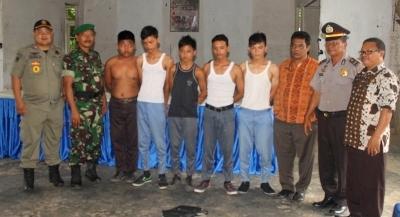 Lima pelajar yang dijaring