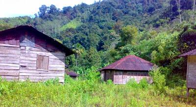 Desa Aek Nabara yang ditinggalkan penduduk