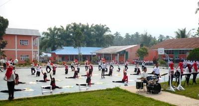 Grup Marching Band SMAN 1 Kotanopan saat latihan terkahir di lapangan SMAN 1 Kotanopan