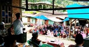 Yusuf Nasution di hadapan ratusan warga Panyabungan Timur