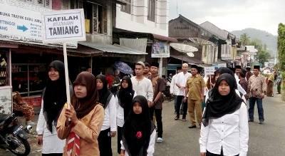 Kafilah Tamiang di pawai ta'aruf MTQ Kotanopan