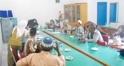 RDP Komisi II dengan warga Batahan dipimpin Ketua DPRD Madina, Hj.Leli Hartati