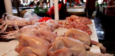 Ayam potong di pasar