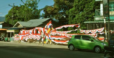 Pajangan penjualan bendera di Panyabungan